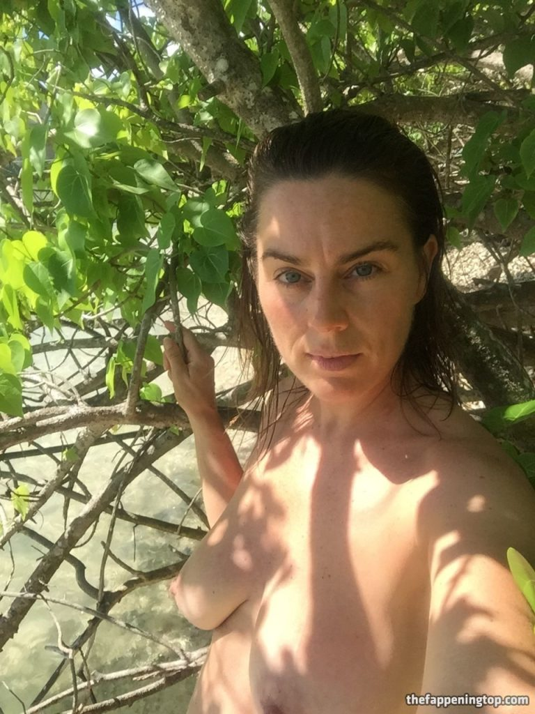 Saggy Tits MILF Jill Halfpenny Roaming the Wildness (Naked) gallery, pic 18