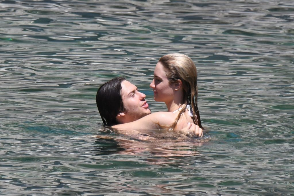 Bikini-Clad Grace Van Patten Makes Out with Her Horny BF gallery, pic 14