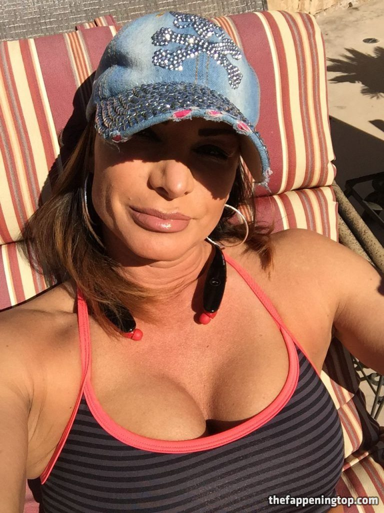 Lisa Marie Varon's Leaked Cunnilingus Pictures and Fappening Shots gallery, pic 17