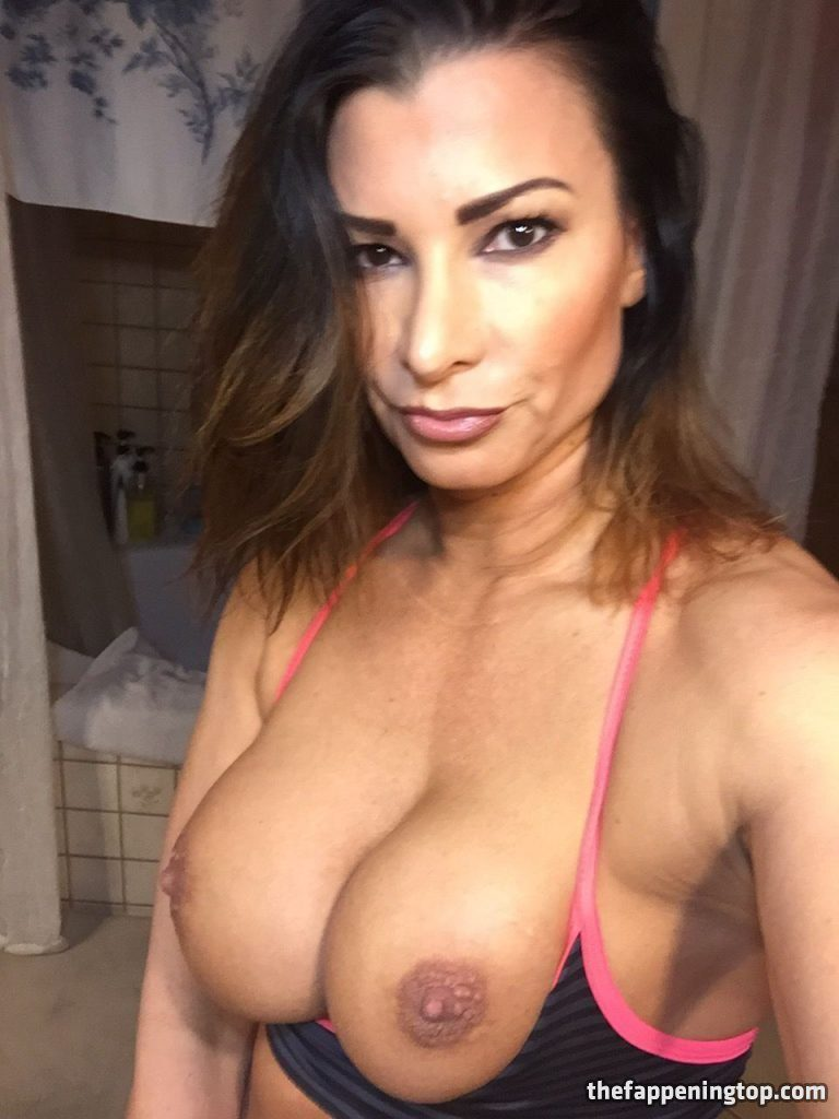 Lisa Marie Varon's Leaked Cunnilingus Pictures and Fappening Shots gallery, pic 76