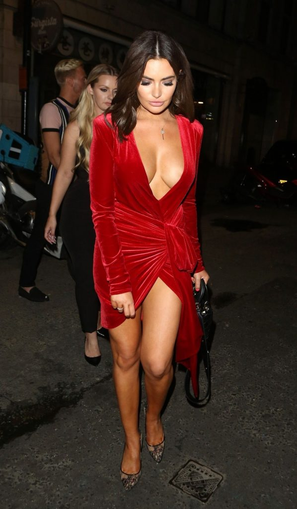 Buxom Brunette Megan Barton Hanson Teasing with Her Cleavage gallery, pic 13