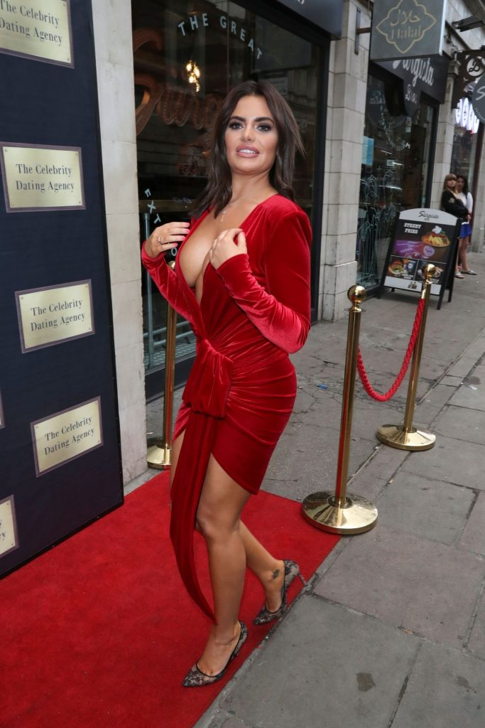 Buxom Brunette Megan Barton Hanson Teasing with Her Cleavage gallery, pic 29