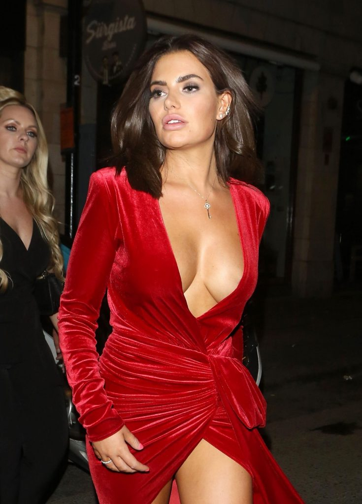 Buxom Brunette Megan Barton Hanson Teasing with Her Cleavage gallery, pic 6