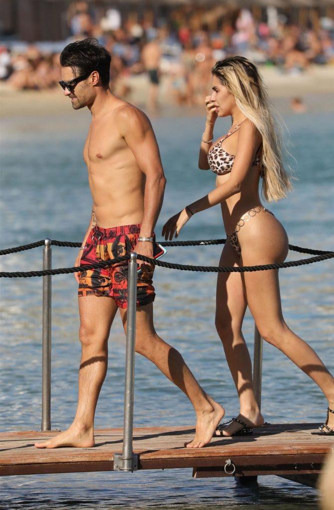 Smoldering Blonde Alexa Dellanos Flaunting Her Bikini Body gallery, pic 5