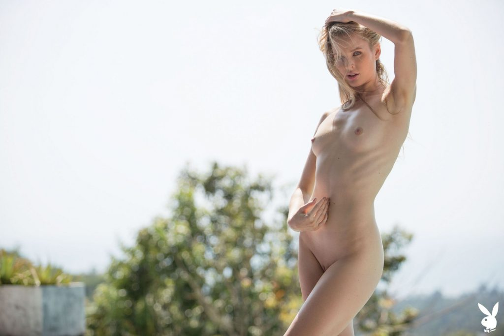 Slim Blonde Thera Jane Showing Her Naked Body Poolside gallery, pic 12