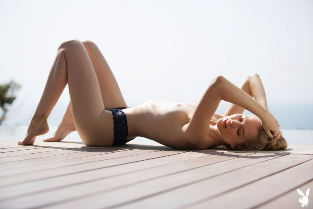Slim Blonde Thera Jane Showing Her Naked Body Poolside gallery, pic 25