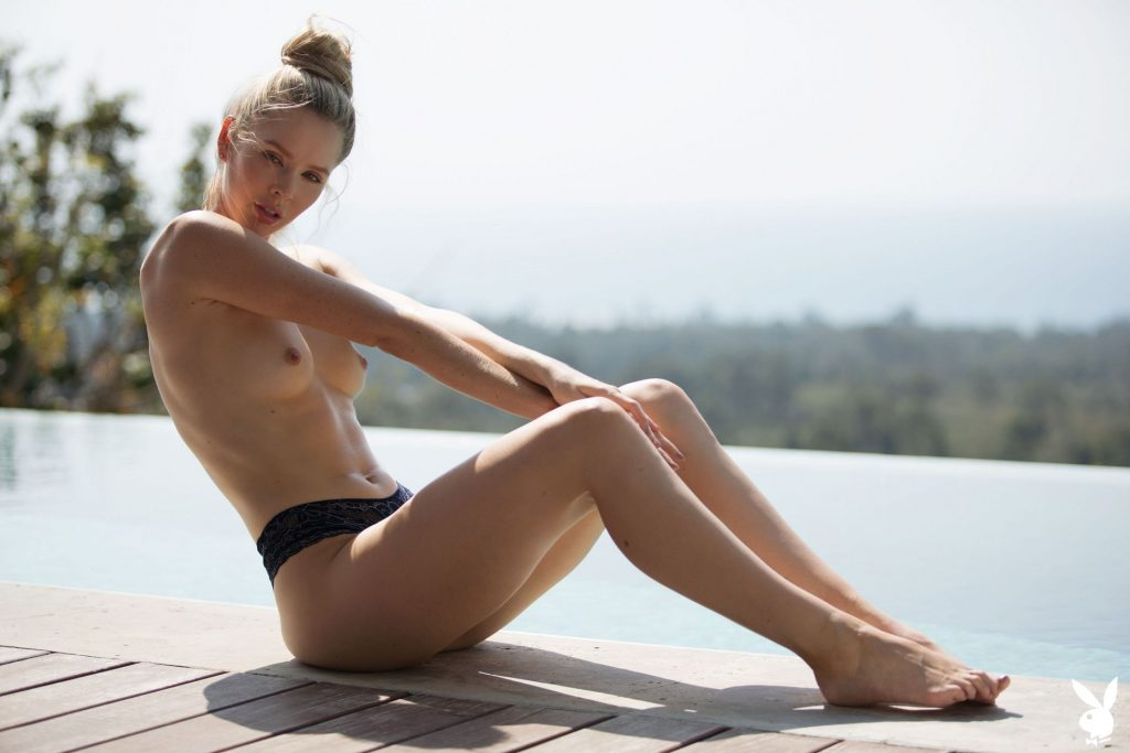 Slim Blonde Thera Jane Showing Her Naked Body Poolside gallery, pic 29