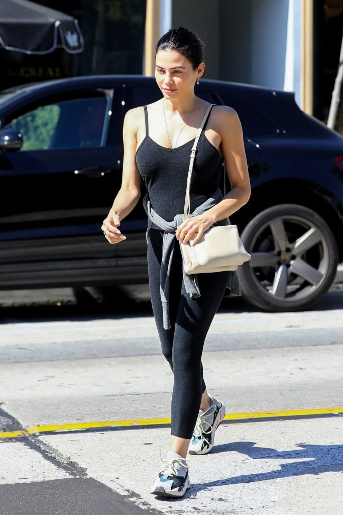 Jenna Dewan Showing Her Cleavage in a Black Top  gallery, pic 21