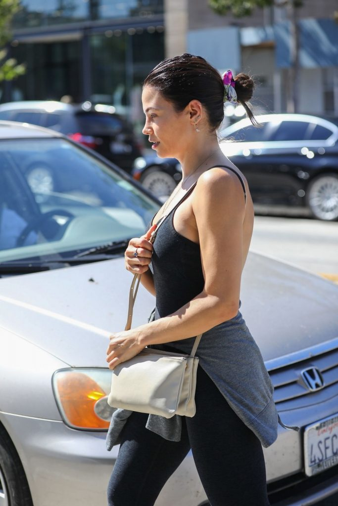 Jenna Dewan Showing Her Cleavage in a Black Top  gallery, pic 28