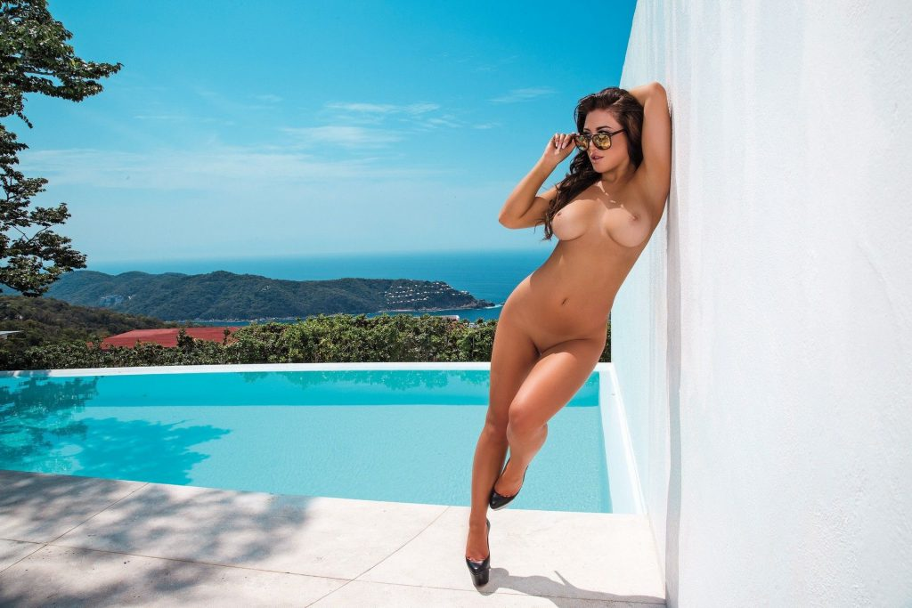 Stefanie Knight Showing Her Immaculate Nude Bod for Playboy gallery, pic 2