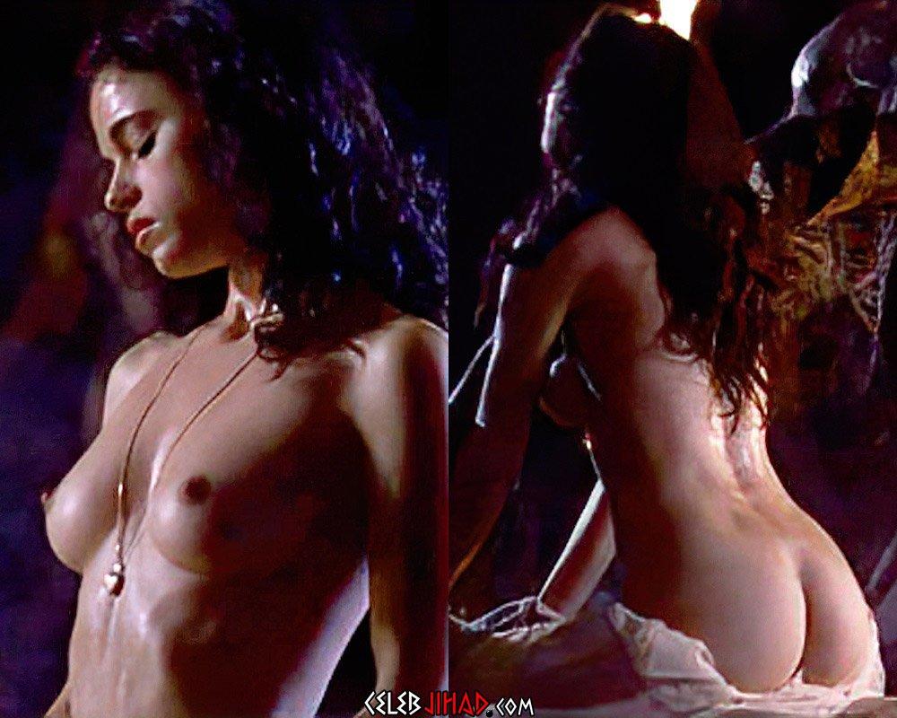 Leela Savasta nude