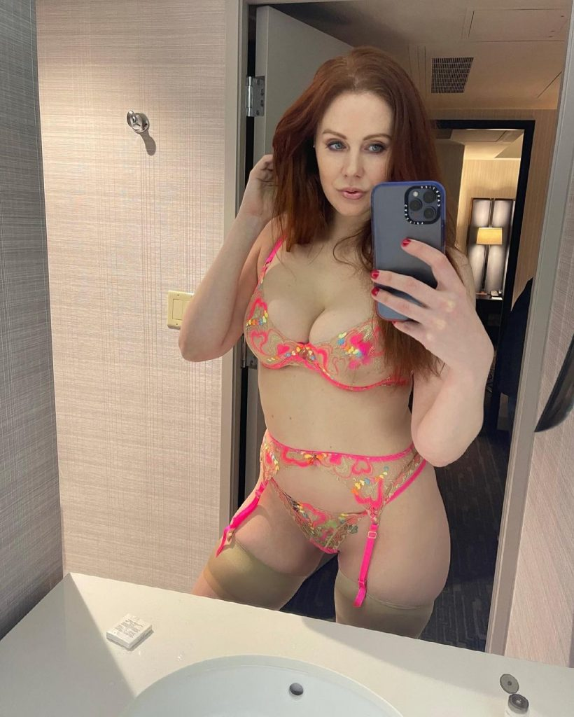 Latest Maitland Ward Pictures with Asshole Close-Ups and Other Lewds gallery, pic 3